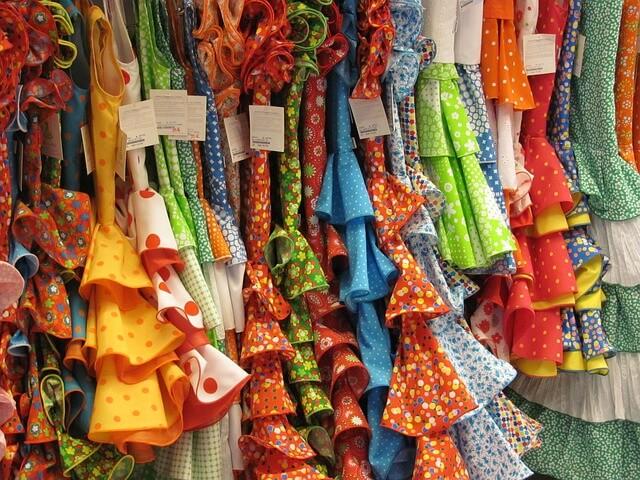 różne rodzaje i typy sukienek