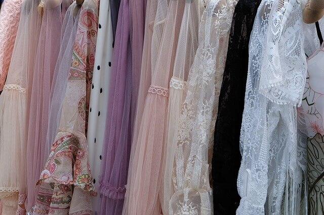 Typy sukienek – Wybierz najlepszy rodzaj sukienki dla siebie