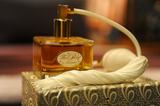 Jak wybrać perfumy dla siebie? Jak ich używać?