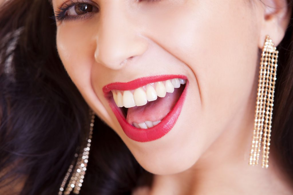 Piękne i zadbane usta – pielęgnacja krok po kroku